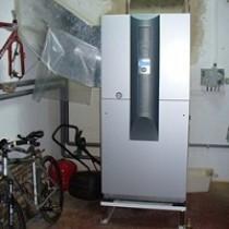 Tepelné čerpadlo se vzduchotechnickými kanály vyrobenými na zakázku
